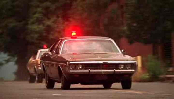 Dodge Coronet 1972: Carro utilizado por Gene Hunt, interpretado por Harvey Keitel.